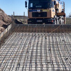 Dūņu lauka rezervuāru betonēšana